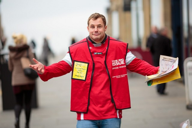 Rugby star Allan Dell realises how hard it is to sell The Big Issue in Edinburgh. Photo: Euan Ramsay<br>