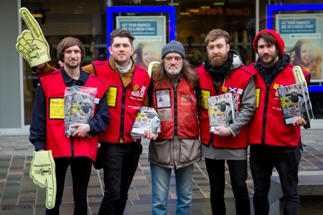 Twin Atlantic sold more than 100 copies of The Big Issue in an hour for INSP #VendorWeek<br>