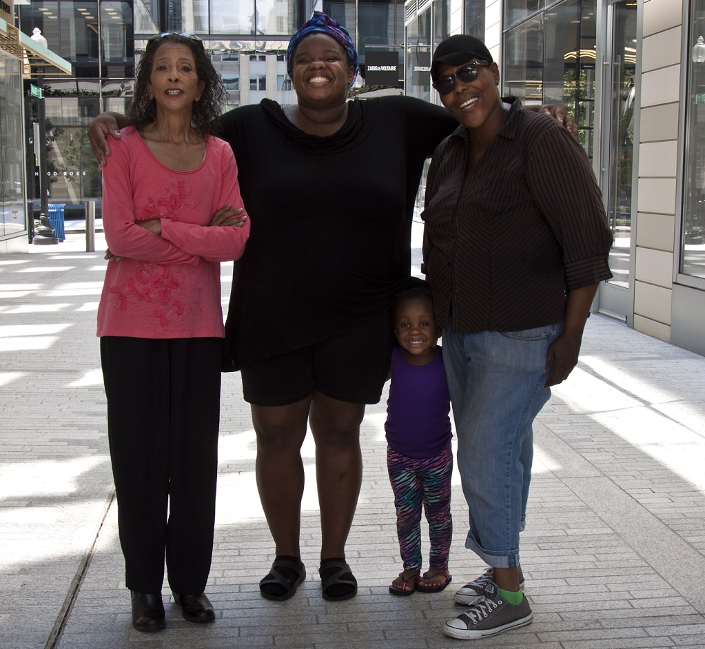 L-R: Angie Whitehurst, Sasha, Eboni and Cynthia Mewborn, by Jane Cave