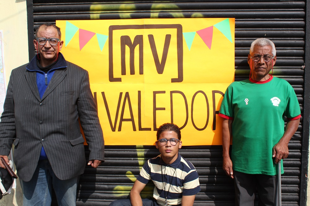 Mi Valedor ran an event to give out glasses to their vendors