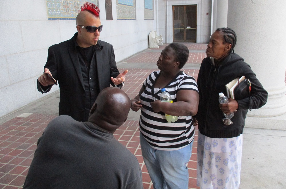 Elvis Summers meets supporters. Photo: Bud Stratford