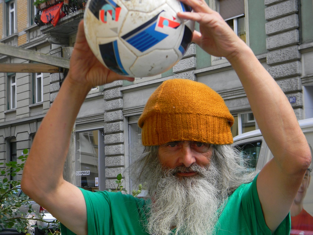 Ruedi is ready to play in the Homeless World Cup 2016.