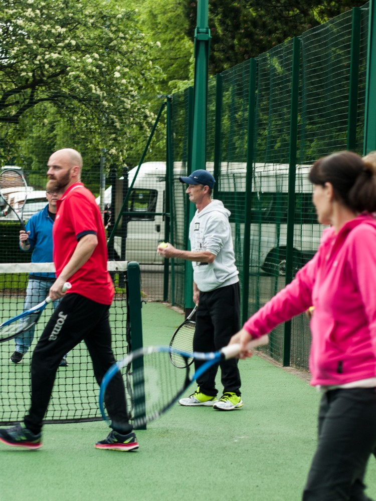 John Mooney coaches at Glasgow Life's Tennis Recovery group. Photo: Eleanor Susan Lim