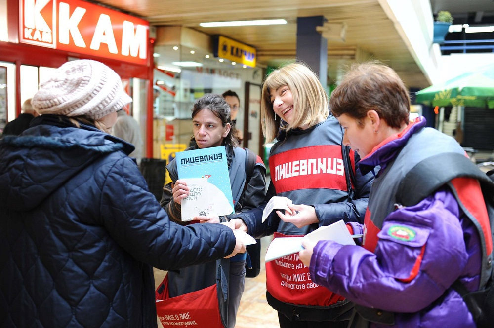 Moracanin selling Lice v Lice with vendors during #VendorWeek